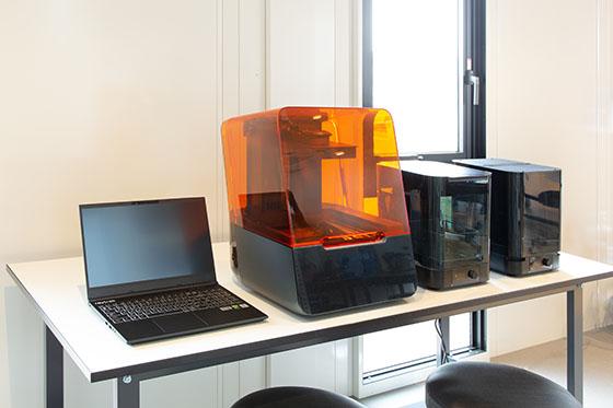 3Dプリンター(光造型)